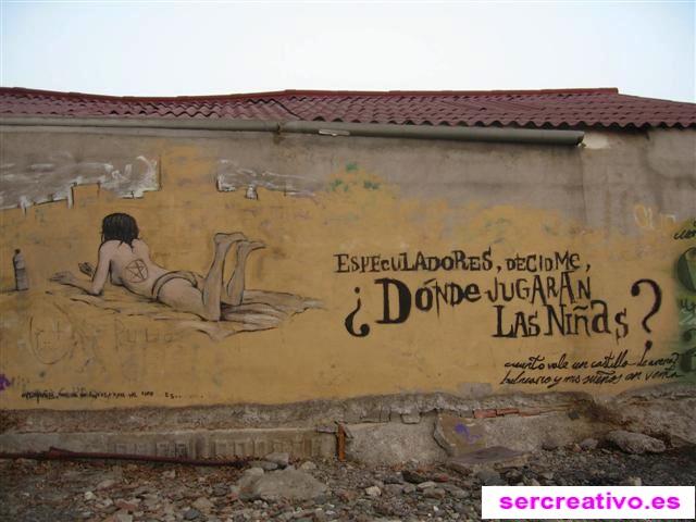 """Graffiti: """"¿Dónde jugarán las niñas?"""" en los Baños del Carmen"""